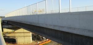 橋桁の側壁